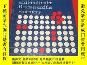 二手書博民逛書店Ronald罕見B. Adler Communicating at Work: Principles and Pr