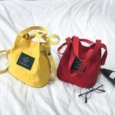 包包 森系復古學院風字母帆布包斜跨單肩包手提包小水桶包