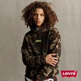 Levis 男款 口袋帽T / Oversize 寬鬆版型 / 個性迷彩 / 迷你刺繡Logo / 格紋帽緣