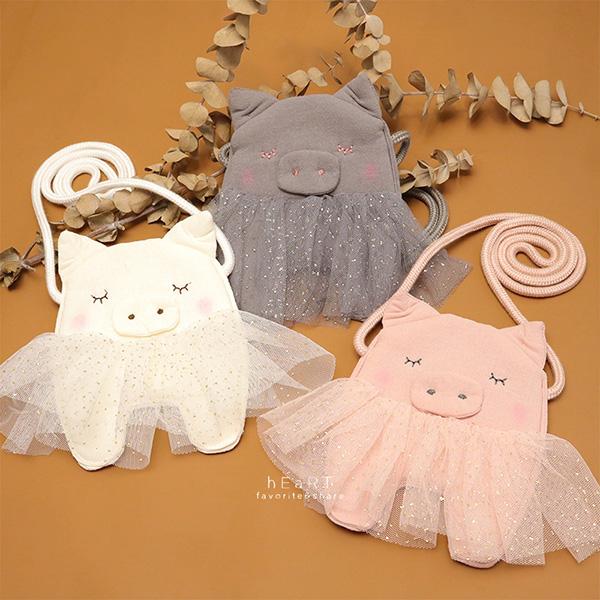 閉眼小豬造型斜背小包包 配件 女童小包包 側背包 斜背包