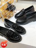 牛津鞋 一腳蹬小皮鞋女軟皮英倫風配西裝的韓版百搭夏天中跟黑色粗跟單鞋 小宅女