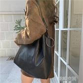 夏季新款韓版百搭網紅單肩大包女大容量軟皮斜背包時尚簡約托特包