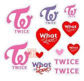 現貨👍TWICE標誌 手燈 立體貼紙 泡泡貼紙 手機貼E779-7【玩之內】韓國 筆電貼紙what's love