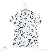 【INI】週慶限定、青春洋溢印花英文上衣.白色
