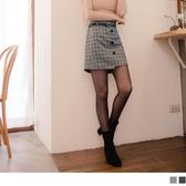 《CA1772-》毛呢裝飾排釦英倫格紋短褲裙(附皮帶) OB嚴選