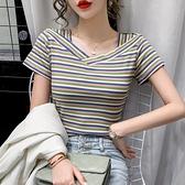 短袖針織上衣 V領顯瘦心機彩虹條紋t恤女短袖針織修身韓版2021年夏裝上衣小衫 交換禮物 曼慕