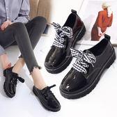 秋季新品布洛克漆皮平底小皮鞋女英倫學院風黑色單鞋學生大碼女鞋