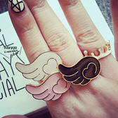 《花花創意会社》【H3324】雜誌款.童趣彩釉翅膀雲彩色戒指.三色