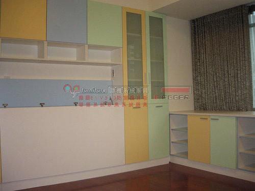 【歐雅系統家具】小孩房 床頭 書桌 衣櫃 多色門板繽紛設計
