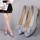 媽媽鞋 秋冬季 豆豆鞋女平跟軟底上班鞋坡跟單鞋休閒女鞋子