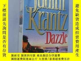 二手書博民逛書店Dazzle【英文原版】罕見品好未閱近 Y85718 Judit