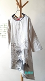 【貽湘坊】秋裝--復古風圓領手繪荷花長版款舒適棉衣茶服衣擺斜裁