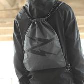 潮牌束口袋男抽繩後背包運動健身包騎行包簡易書包拉繩訓練小背包 韓國時尚週