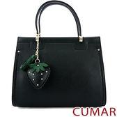 【CUMAR女包】草莓吊飾壓紋皮手提包-黑