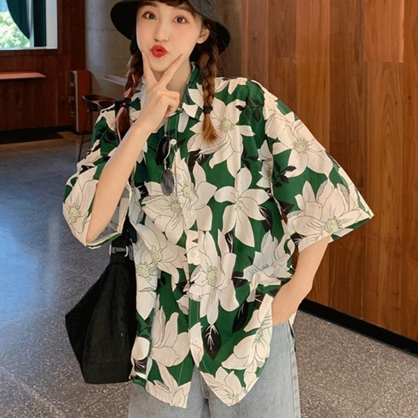 襯衫 2021新款法式復古港風花襯衫女短袖襯衣設計感小眾polo領碎花上衣 薇薇