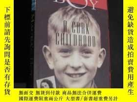 二手書博民逛書店Maura s罕見Boy: A Cork Childhood 莫