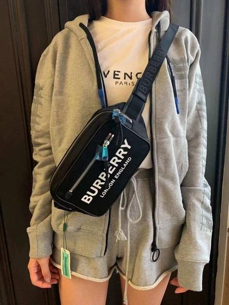 ■專櫃74折■全新真品 ■Burberry 80146031 中性款標誌印花尼龍腰包