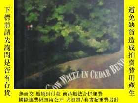 二手書博民逛書店Slow罕見Waltz ln Cedar BendY230069