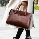 時尚包包女2020新款秋冬款女士側背手提斜背包大氣公文包女枕頭包 黛尼時尚精品