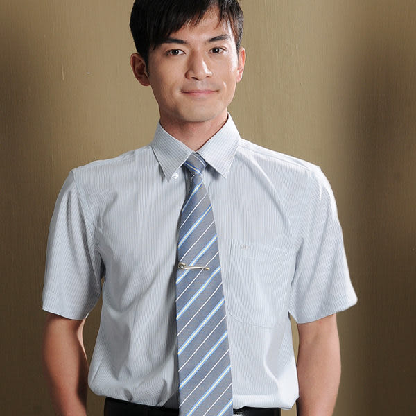 【S-31-1】森奈健-時尚流行辦公室男短袖襯衫(淺灰色條紋)