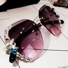墨鏡女韓版鑲鉆時尚圓臉女士太陽鏡新款防曬眼鏡社會防《蓓娜衣都》