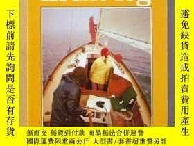 二手書博民逛書店Sailing罕見in the Fog (Seamanship Series)-霧中航行(航海技術系列)Y44