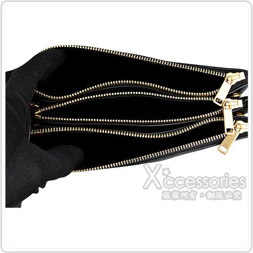 CELINE TRIO經典燙金LOGO小羊皮三夾層拉鍊斜背包(黑)