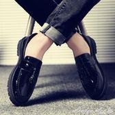英倫鞋 英倫風男士黑色小皮鞋社會小伙精神板鞋漆皮亮面休閒潮鞋  瑪麗蓮安