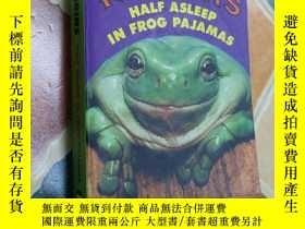 二手書博民逛書店Half罕見asleep in frog pajamasY179641 Tom robbins No exit