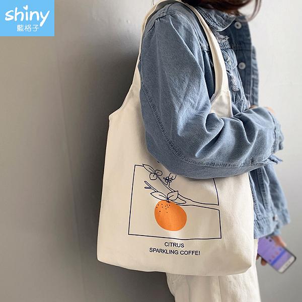【P201】shiny藍格子-簡約文藝.水果橘子手提單肩帆布包