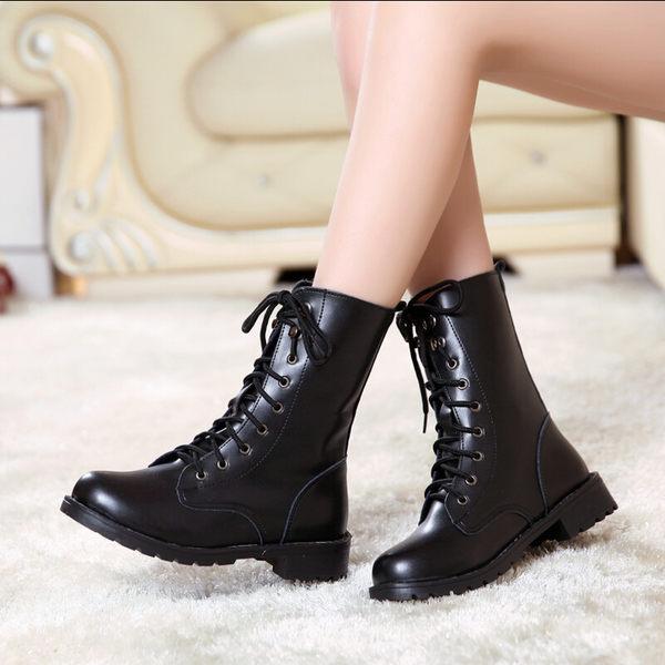 現貨出清 中筒靴馬丁靴女短靴平底單靴黑色機車靴女軍靴騎士靴大碼【蘇迪蔓】 6/1