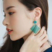 韓製。方塊果凍色耳環【AD062017R1】THEGIRLWHO那女孩