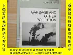 二手書博民逛書店16開厚冊《GARBAGE罕見AND OTHER POLLUTI
