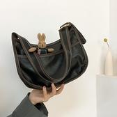 春季高級感質感小包包女包2021新款潮小眾設計腋下包手提側背包 伊蘿