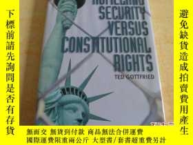 二手書博民逛書店HOMELAND罕見SECURITY VERSUS CONSTI