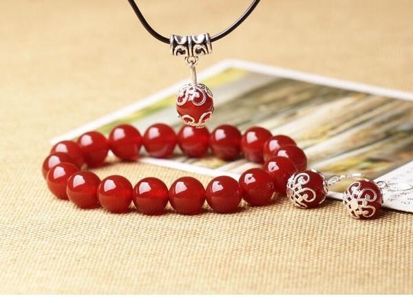 手鍊-三件套純天然紅瑪瑙手鍊耳墜吊墜女士款情侶水晶飾品 東川崎町