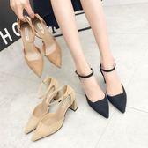 女高跟鞋 韓版女鞋子 歐美時尚中空涼鞋女高跟尖頭絨面一字扣單鞋顯瘦粗跟鞋《小師妹》sm3585