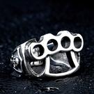 《 QBOX 》FASHION 飾品【R10BR8-027】精緻龐克風搖滾手飾骷顱頭鑄造鈦鋼戒指/戒環