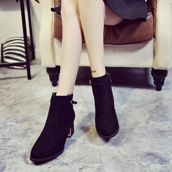 丁果、女鞋34-39►韓版爆款磨砂絨皮細扣環尖頭中跟短靴子 機車靴*2色