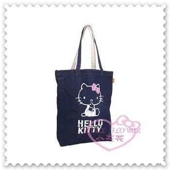 ♥小花花日本精品♥Hello Kitty 提袋手提袋外出袋牛仔布側背袋坐姿蝴蝶結深藍色日本限定(預購)