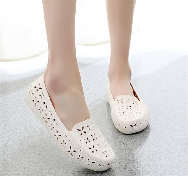 塑料涼鞋女護士鞋白色工作鞋 沙灘鞋鳥巢洞洞鞋孕婦鞋媽媽鞋 黛尼時尚精品
