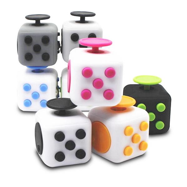 (一組2入)FC02魔術款正六面解壓方塊(Fidget Cube)(顏色隨機)