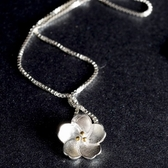 項鍊 純銀鍍白金 吊墜-甜美花朵生日情人節禮物女飾品73dw173【時尚巴黎】
