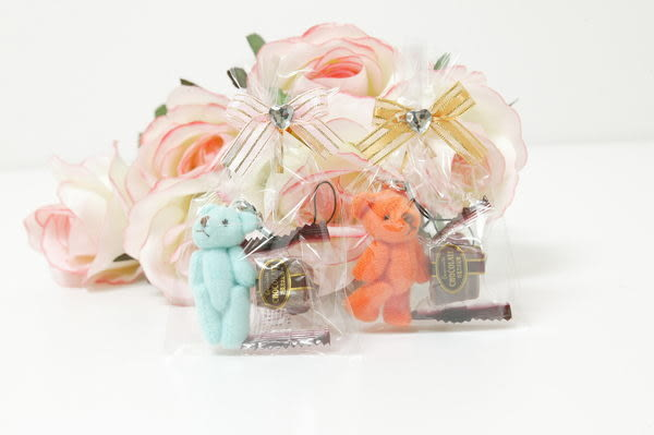 快速出貨~~今天訂明天出~~小熊手機吊飾巧克力太妃糖/份(謝客禮.喜糖.二次進場.年貨)~~