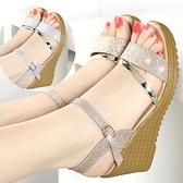 春夏季女鞋坡跟涼鞋女平底高跟鞋百搭粗跟防滑厚底魚嘴學生鞋子潮 【Ifashion·全店免運】