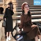 【V3281】shiny藍格子-甜美時尚.純色圓領長袖綁帶針織連身洋裝
