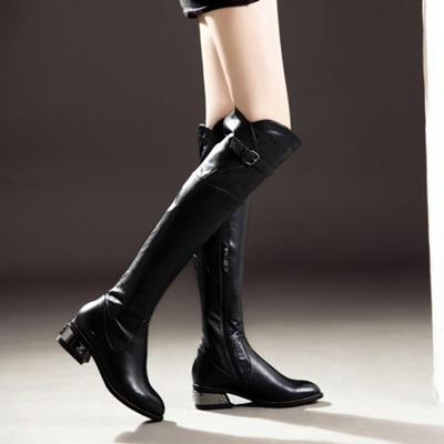 真皮過膝靴-時尚中性帥氣皮帶扣低跟女長靴73iv3[時尚巴黎]