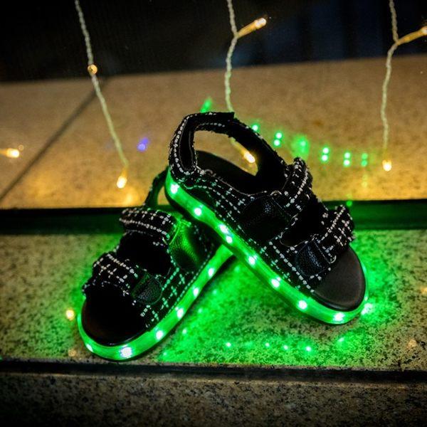 韓版兒童發光涼鞋男童亮燈鞋usb充電led閃光夜光鞋女童涼鞋 LI2254『美鞋公社』