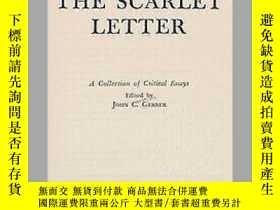 二手書博民逛書店Twentieth罕見Century Interpretations Of The Scarlet Letter奇