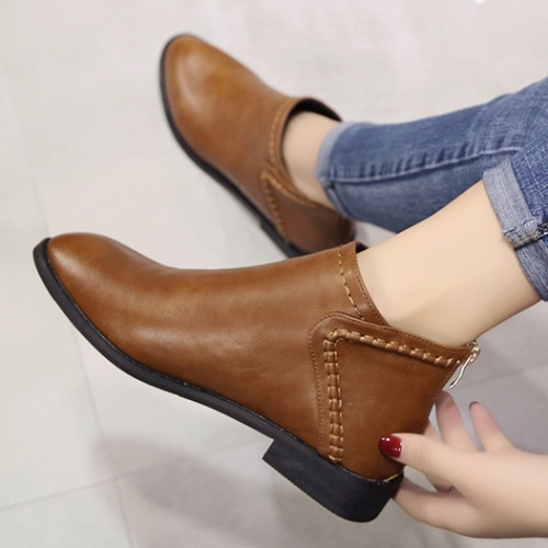 短靴.素面簡約縫線設計平底短靴.白鳥麗子